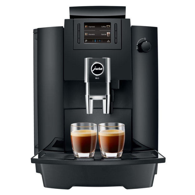Jura WE6 Piano Black od frontu, 2 razy espresso.